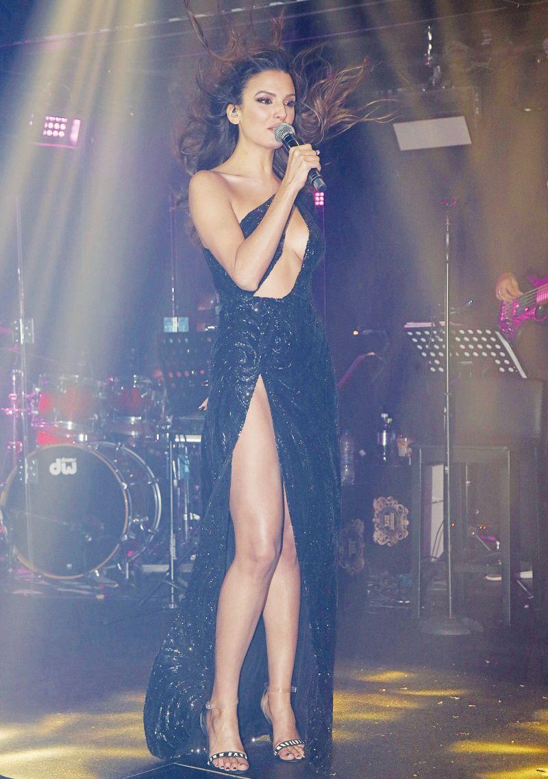, Βόμβα από τραγουδίστρια: «Θα παντρευόμουν την Πάολα αν…»