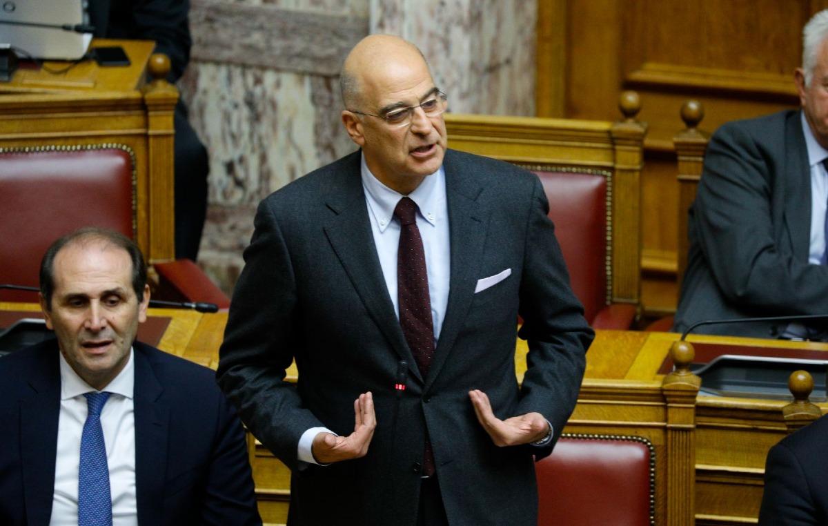 Απουσία της Ελλάδος από το Βερολίνο, παλινωδίες Δένδια – Υπουργός εξωτερικών η Μέρκελ!