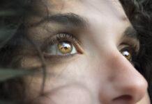 μάτια γυναίκα