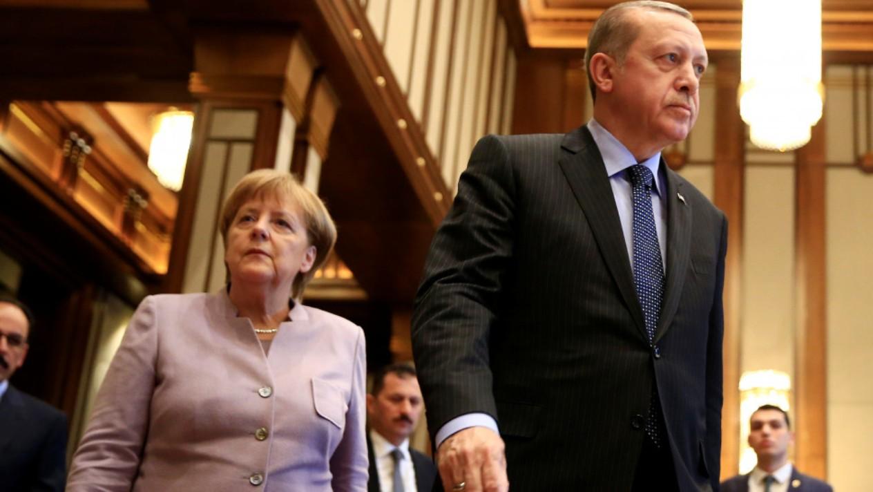 Τον χυδαίο εμπαιγμό της Ελλάδας συνεχίζουν οι Γερμανοί ενόψει της Διάσκεψης για τη Λιβύη!
