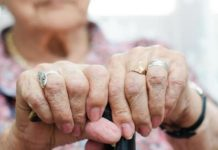 ηλικιωμενη γυναικα