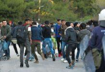 μεταναστες σουλατσαρουν ανενοχλητοι