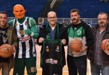 O Mr. Green, μασκότ της ΚΑΕ Παναθηναϊκός ΟΠΑΠ, με τους τέσσερις μεγάλους νικητές