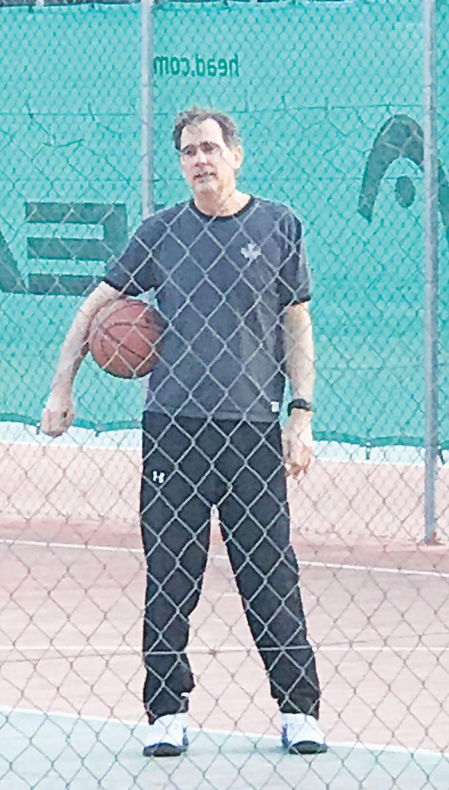 νικος παπανδρεου μπασκετ