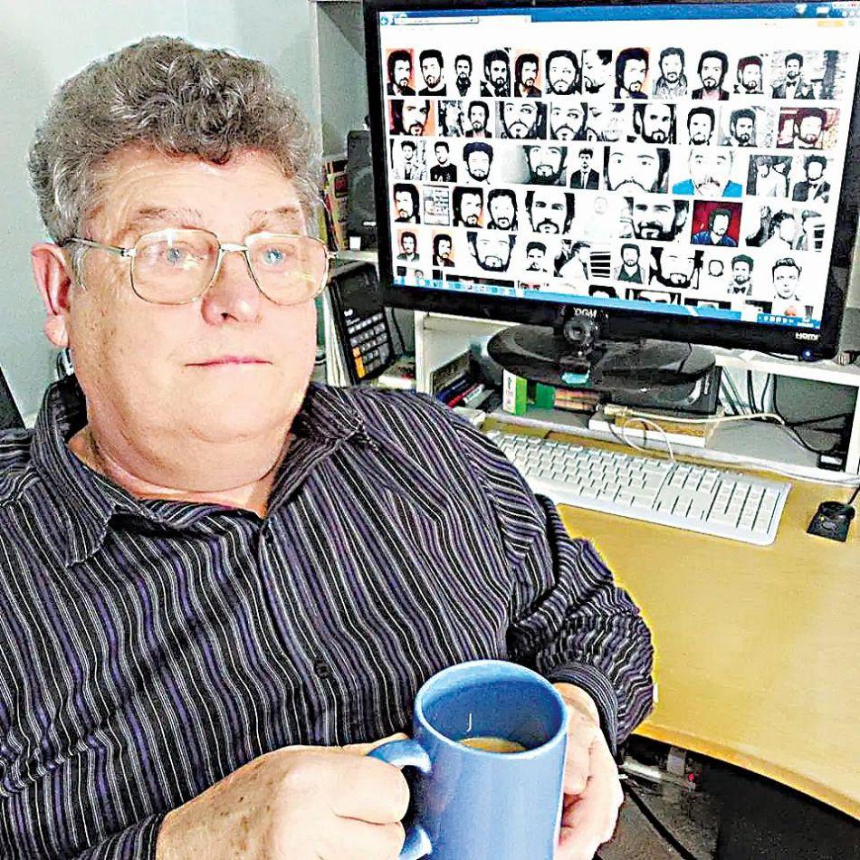 Ντετέκτιβ του καναπέ Cris Clarke