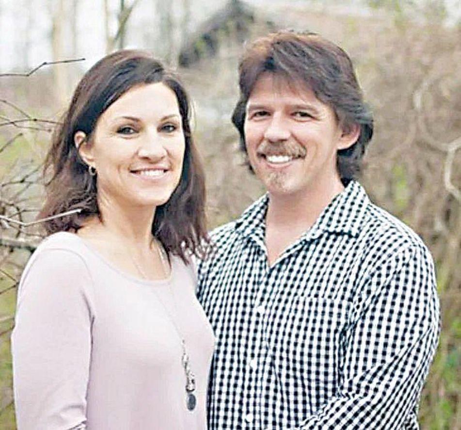 Ντετέκτιβ του καναπέ Todd Matthews συζυγος
