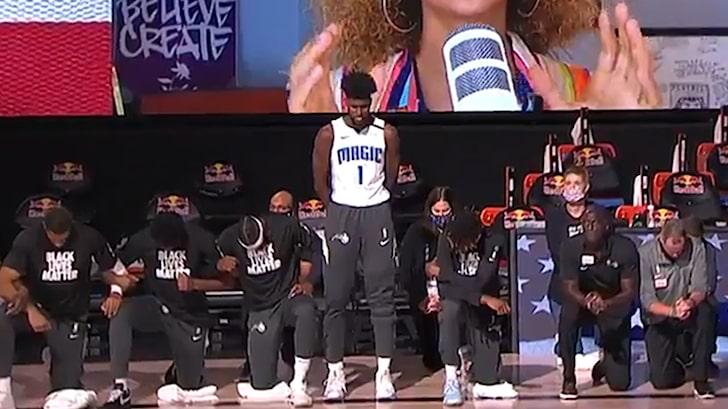 Αφροαμερικανός παίχτης του NBA δεν γονάτισε κατά τη διάρκεια του εθνικού ύμνου και τους σόκαρε όλους