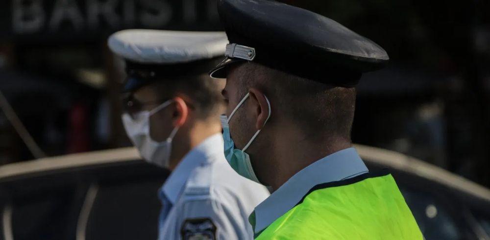 αστυνομικοί μάσκες