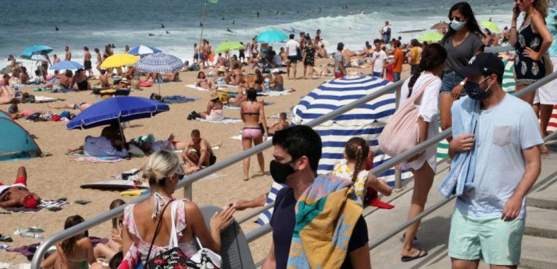 μάσκες παραλία