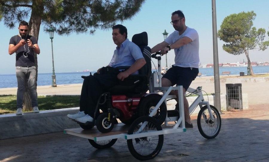 Το πρώτο κοινόχρηστο ποδήλατο για ΑμεΑ στην Ελλάδα είναι γεγονός! (video)