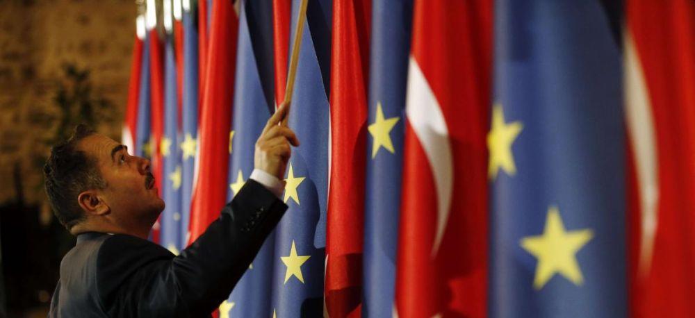 Η ΕΕ δίνει 2,4 δισ. ευρώ στην Τουρκία με τη συναίνεση Ελλάδας-Κύπρου
