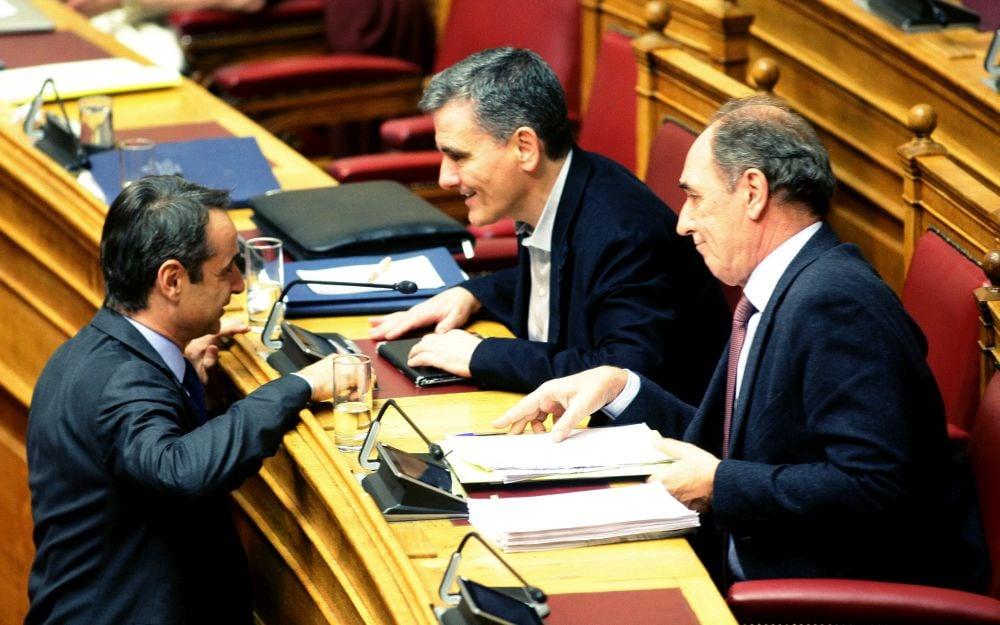 Ο Τσακαλώτος στηρίζει Μητσοτάκη κι ο ΣΥΡΙΖΑ βρίσκεται στα πρόθυρα…νευρικής κρίσης