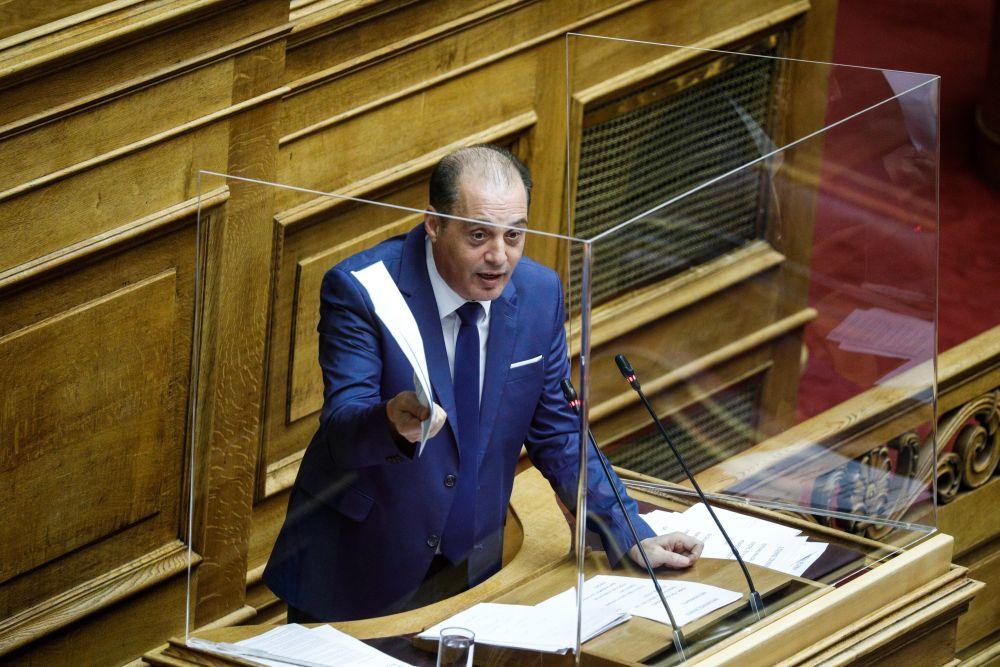 Τους τα «έψαλλε» ο Βελόπουλος: Ζητούν τη δίωξη δημοσιογράφων και της εφημερίδας «δημοκρατία» και δεν μιλάει κανείς