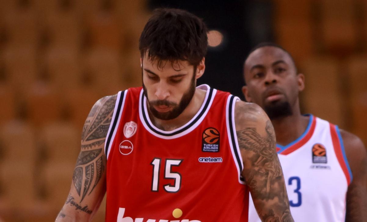 Νέα ήττα για τον Ολυμπιακό στη EuroLeague: Έχασε στο ΣΕΦ 84-79 από την Εφές (video)