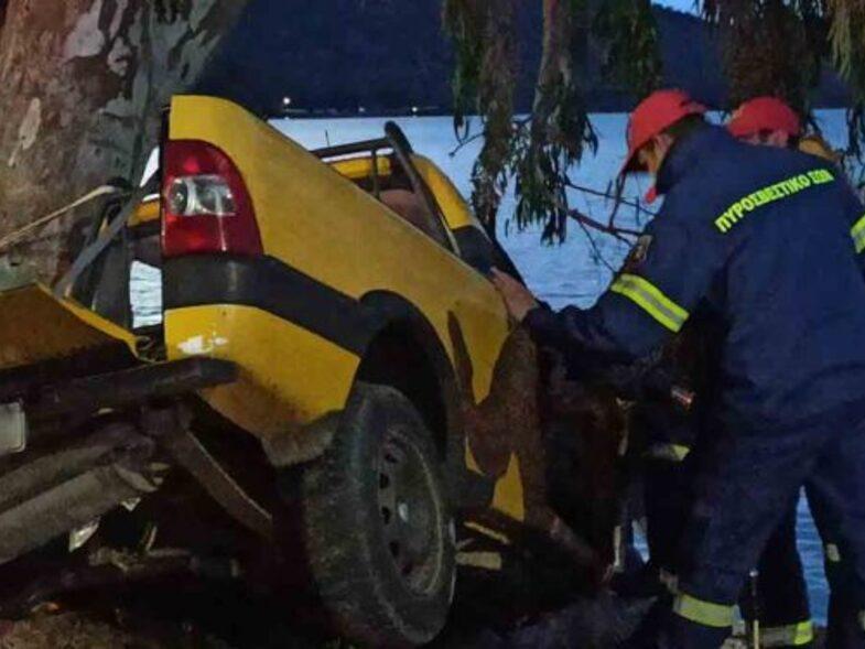 Νεκρός ο οδηγός που «καρφώθηκε» σε δέντρο στην Αμφιλοχία!