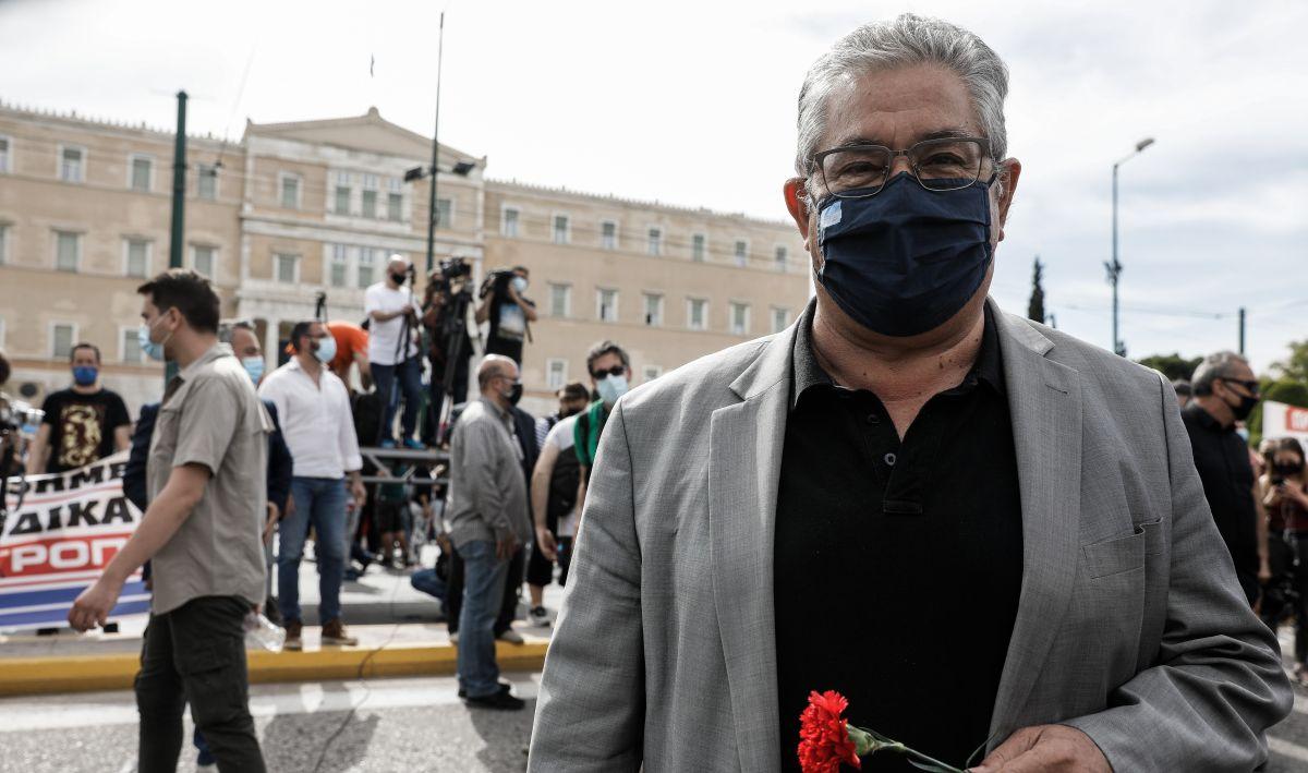 Απεργιακές συγκεντρώσεις στην Αθήνα: «Όχι στον εργασιακό Μεσαίωνα, κάτω τα χέρια από το 8ωρο»   newsbreak
