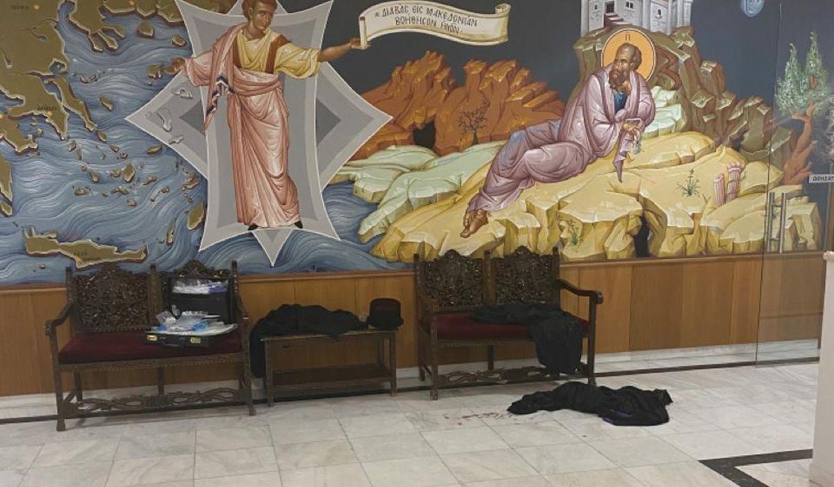 Μονή Πετράκη: Φωτογραφίες-σοκ από το χώρο που έγινε η επίθεση με το βιτριόλι